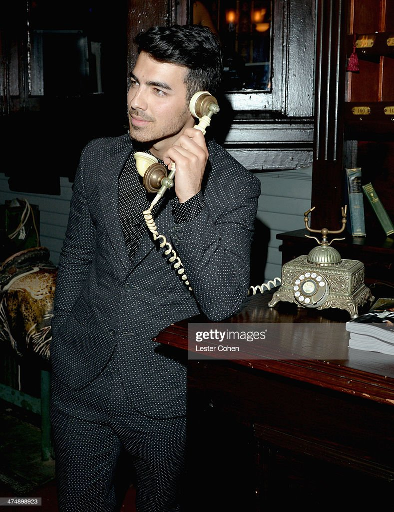 Recording artist <a gi-track='captionPersonalityLinkClicked' href=/galleries/search?phrase=Joe+Jonas&family=editorial&specificpeople=842712 ng-click='$event.stopPropagation()'>Joe Jonas</a> attends Vanity Fair and FIAT celebration of 'Young Hollywood' during Vanity Fair Campaign Hollywood at No Vacancy on February 25, 2014 in Los Angeles, California.