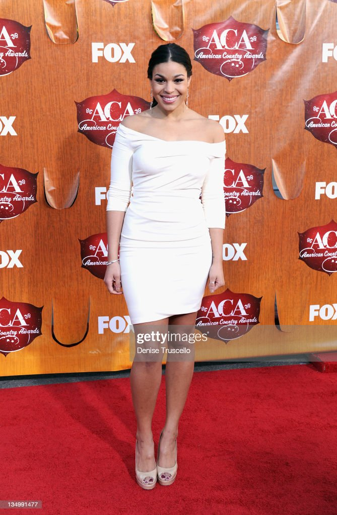 Recording artist <a gi-track='captionPersonalityLinkClicked' href=/galleries/search?phrase=Jordin+Sparks&family=editorial&specificpeople=4165535 ng-click='$event.stopPropagation()'>Jordin Sparks</a> arrives at 2011 American Country Awards at MGM Grand Garden Arena on December 5, 2011 in Las Vegas, Nevada.