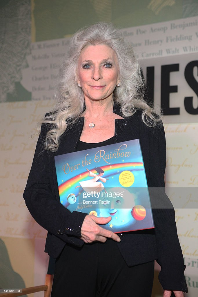 """Judy Collins Signs Copies Of """"Over The Rainbow"""" - March 29, 2010"""