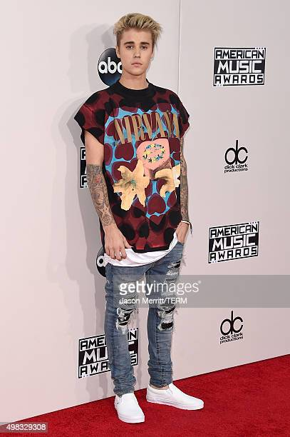 Recording artist Justin Bieber attends the 2015 American Music Awards at Microsoft Theater on November 22 2015 in Los Angeles California
