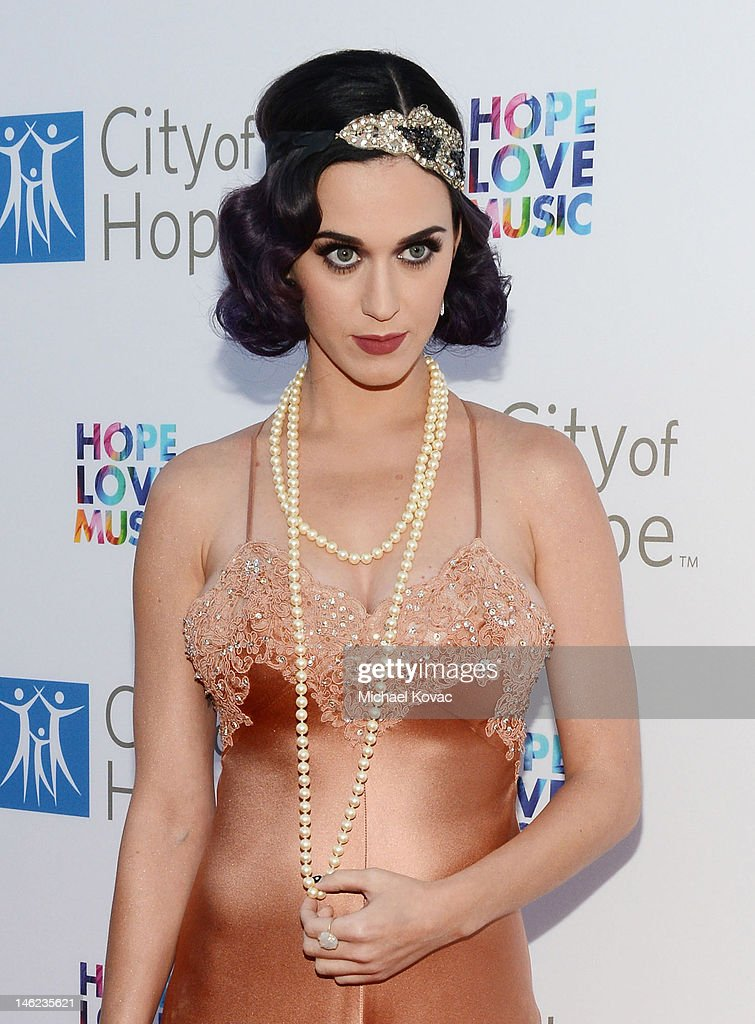 Recording artist <a gi-track='captionPersonalityLinkClicked' href=/galleries/search?phrase=Katy+Perry&family=editorial&specificpeople=599558 ng-click='$event.stopPropagation()'>Katy Perry</a> arrives at City Of Hope Honors Clear Channel CEO Bob Pittman With Spirit Of Life Award - Red Carpet at The Geffen Contemporary at MOCA on June 12, 2012 in Los Angeles, California.