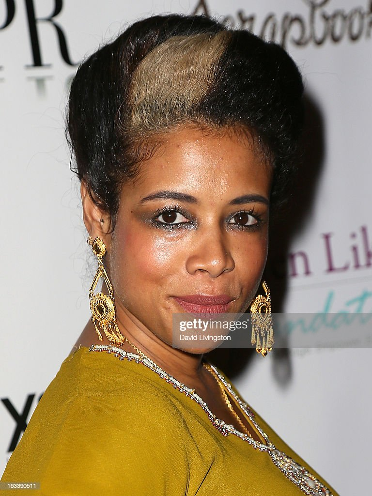 Recording artist <a gi-track='captionPersonalityLinkClicked' href=/galleries/search?phrase=Kelis&family=editorial&specificpeople=203061 ng-click='$event.stopPropagation()'>Kelis</a> attends a Pre-LAFW benefit in support of the Women Like Us Foundation at Lexington Social House on March 8, 2013 in Hollywood, California.