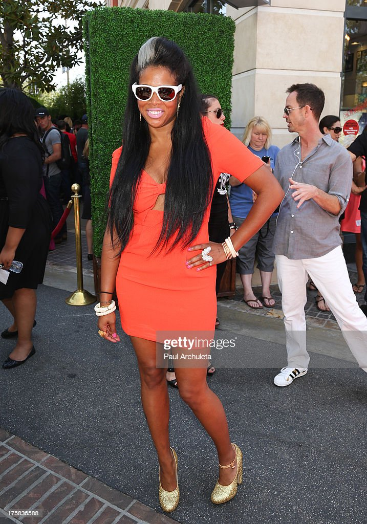 Recording Artist Kelis attends the 4th annual Kiehl's LifeRide for amfAR at The Grove on August 8, 2013 in Los Angeles, California.
