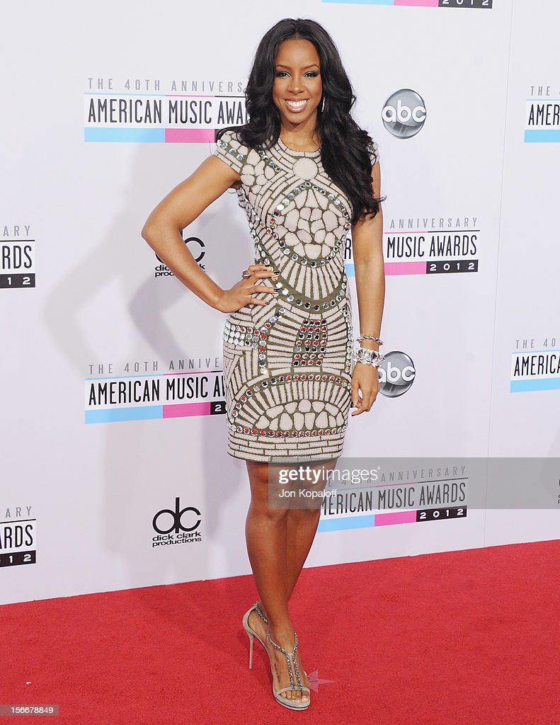 Recording artist <a gi-track='captionPersonalityLinkClicked' href=/galleries/search?phrase=Kelly+Rowland&family=editorial&specificpeople=201760 ng-click='$event.stopPropagation()'>Kelly Rowland</a> arrives at The 40th American Music Awards at Nokia Theatre L.A. Live on November 18, 2012 in Los Angeles, California.