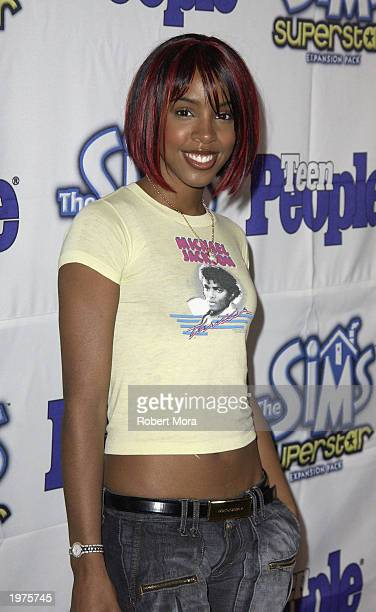 Recording artist Kelly Rowland attends Teen People Magazine's 6th Annual '25 Hottest Stars Under 25' Party at Lucky Strike Lanes on May 5 2003 in...