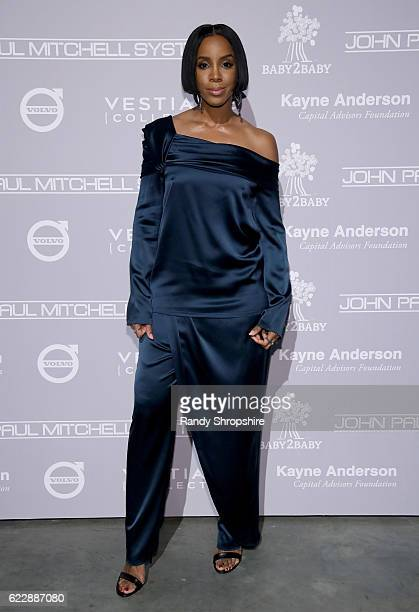Recording artist Kelly Rowland attends the Fifth Annual Baby2Baby Gala Presented By John Paul Mitchell Systems at 3LABS on November 12 2016 in Culver...