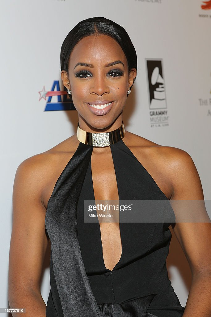 Recording artist <a gi-track='captionPersonalityLinkClicked' href=/galleries/search?phrase=Kelly+Rowland&family=editorial&specificpeople=201760 ng-click='$event.stopPropagation()'>Kelly Rowland</a> attends the GRAMMY Museum Gala - Architects Of Sound: Motown at The GRAMMY Museum on November 11, 2013 in Los Angeles, California.