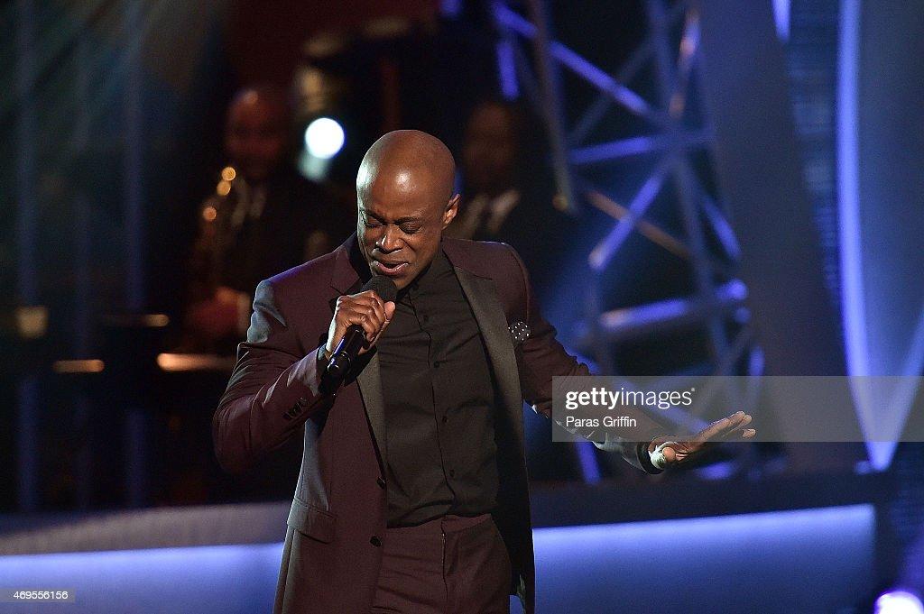 Recording artist Kem performs onstage at the UNCF 'An Evening of Stars' at Boisfeuillet Jones Atlanta Civic Center on April 12 2015 in Atlanta Georgia