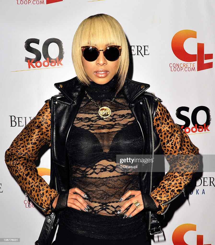 Recording artist Keri Hilson attends the 5th anniversary and re-launch of Concreteloop.com at Hiro Ballroom at The Maritime Hotel on November 11, 2010 in New York City.