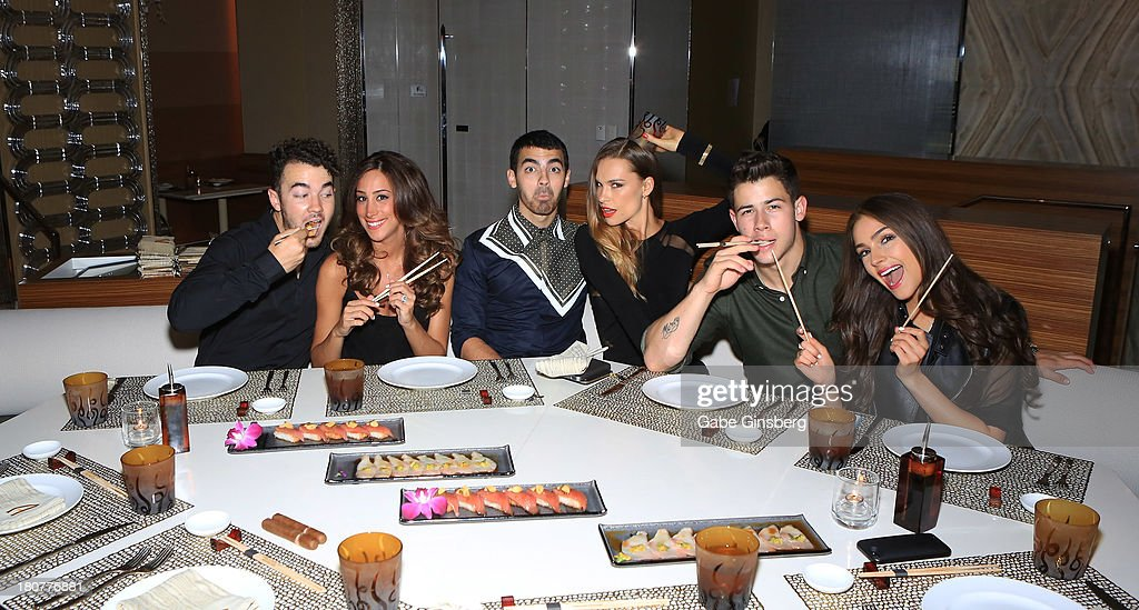 Recording artist <a gi-track='captionPersonalityLinkClicked' href=/galleries/search?phrase=Kevin+Jonas&family=editorial&specificpeople=709547 ng-click='$event.stopPropagation()'>Kevin Jonas</a>, Danielle Jonas, recording artist <a gi-track='captionPersonalityLinkClicked' href=/galleries/search?phrase=Joe+Jonas&family=editorial&specificpeople=842712 ng-click='$event.stopPropagation()'>Joe Jonas</a>, Blanda Eggenschwiler, recording artist <a gi-track='captionPersonalityLinkClicked' href=/galleries/search?phrase=Nick+Jonas&family=editorial&specificpeople=842713 ng-click='$event.stopPropagation()'>Nick Jonas</a> and <a gi-track='captionPersonalityLinkClicked' href=/galleries/search?phrase=Olivia+Culpo&family=editorial&specificpeople=9194131 ng-click='$event.stopPropagation()'>Olivia Culpo</a> celebrate <a gi-track='captionPersonalityLinkClicked' href=/galleries/search?phrase=Nick+Jonas&family=editorial&specificpeople=842713 ng-click='$event.stopPropagation()'>Nick Jonas</a> 21st birthday at Andrea's at Encore Las Vegas on September 14, 2013 in Las Vegas, Nevada.