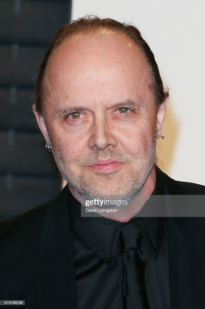 Recording artist <a gi-track='captionPersonalityLinkClicked' href=/galleries/search?phrase=Lars+Ulrich&family=editorial&specificpeople=209281 ng-click='$event.stopPropagation()'>Lars Ulrich</a> of music group Metallica arrives at the 2016 Vanity Fair Oscar Party Hosted by Graydon Carter at the Wallis Annenberg Center for the Performing Arts on February 28, 2016 in Beverly Hills, California.