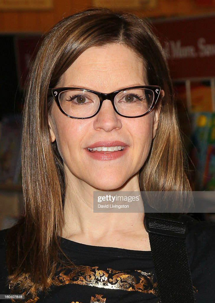 Recording artist Lisa Loeb attends a CD signing and performance for her new CD 'No Fairy Tale' at Barnes & Noble bookstore at The Grove on January 30, 2013 in Los Angeles, California.
