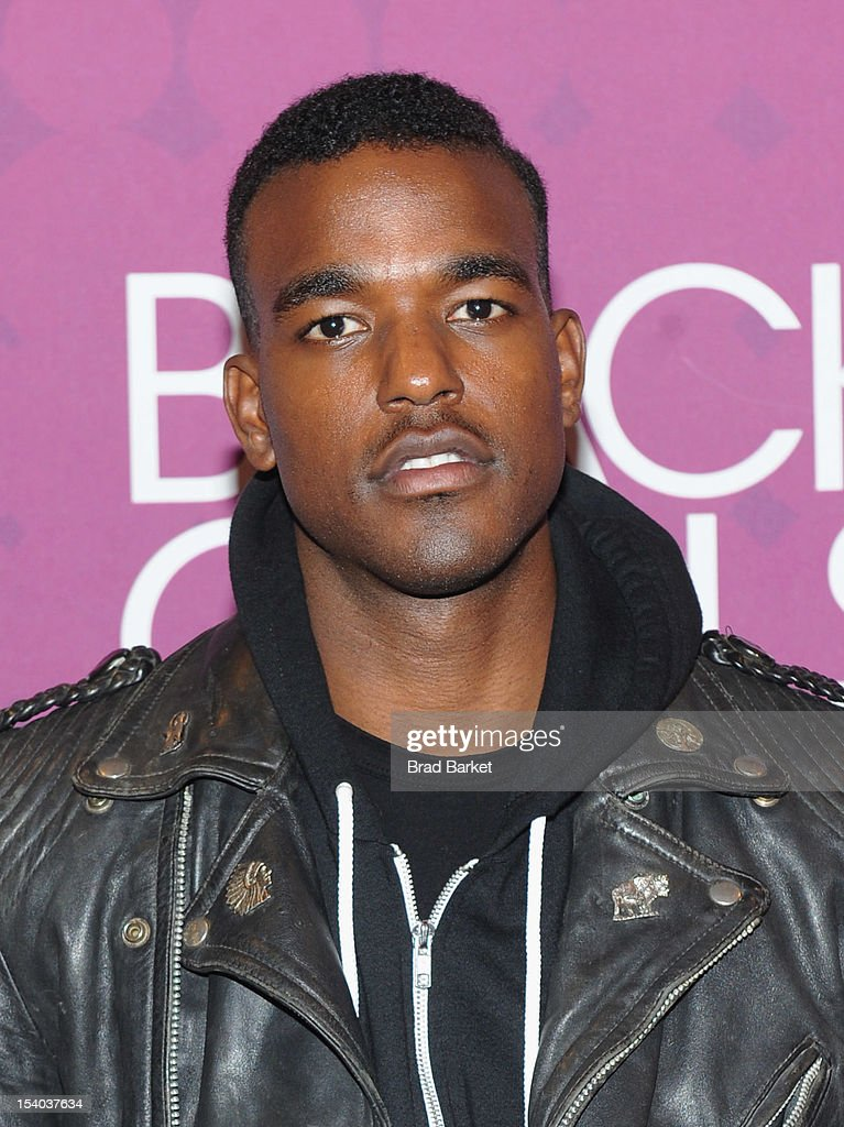 Recording artist Luke James attends a red carpet during the CHEVY Shot Caller's Dinner at Espace NYC on October 12, 2012 in New York City.