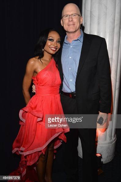 Recording artist Malina Moye attended the What A Pair Benefit Concert to support breast cancer research education programs at the CedarsSinai Samuel...