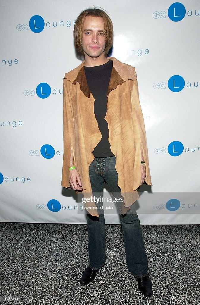 Recording artist Marc Copely arrives at the launch of the book 'Who's Sorry Now' by Joe Pantoliano at the GQ Lounge September 28, 2002, in New York City.