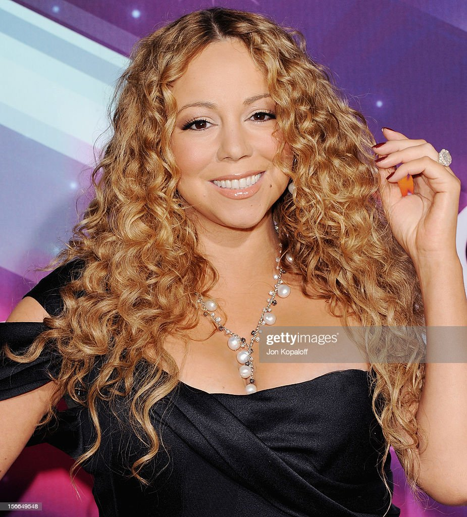 Recording artist <a gi-track='captionPersonalityLinkClicked' href=/galleries/search?phrase=Mariah+Carey&family=editorial&specificpeople=171647 ng-click='$event.stopPropagation()'>Mariah Carey</a> arrives at the TeenNick HALO Awards at The Hollywood Palladium on November 17, 2012 in Los Angeles, California.