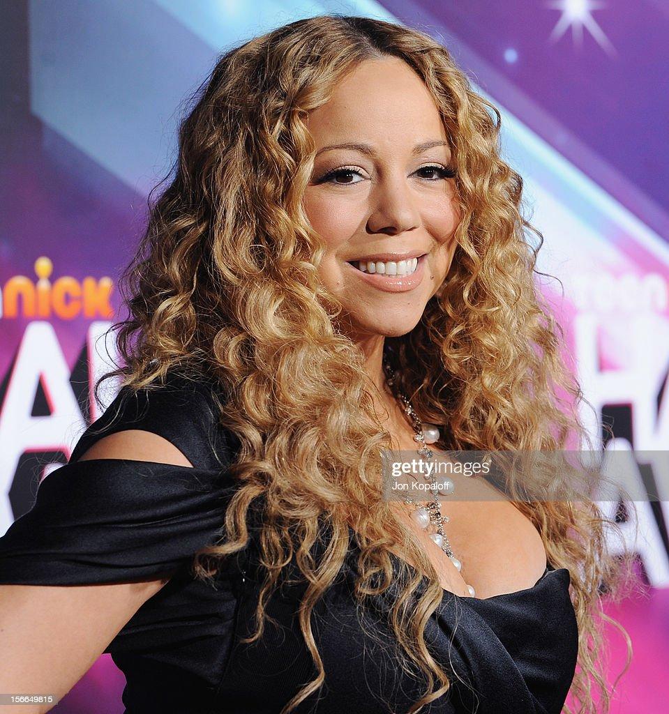 Recording artist Mariah Carey arrives at the TeenNick HALO Awards at The Hollywood Palladium on November 17, 2012 in Los Angeles, California.