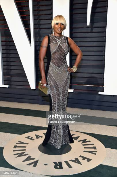 Recording artist Mary J Blige attends the 2017 Vanity Fair Oscar Party hosted by Graydon Carter at Wallis Annenberg Center for the Performing Arts on...
