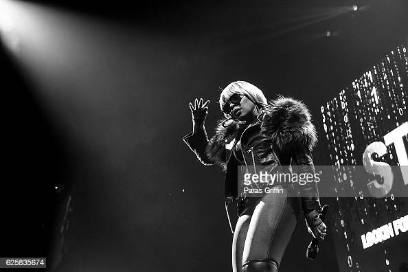 Recording artist Mary J Blige performs in concert at 'King and Queen of Hearts Tour' at Philips Arena on November 25 2016 in Atlanta Georgia