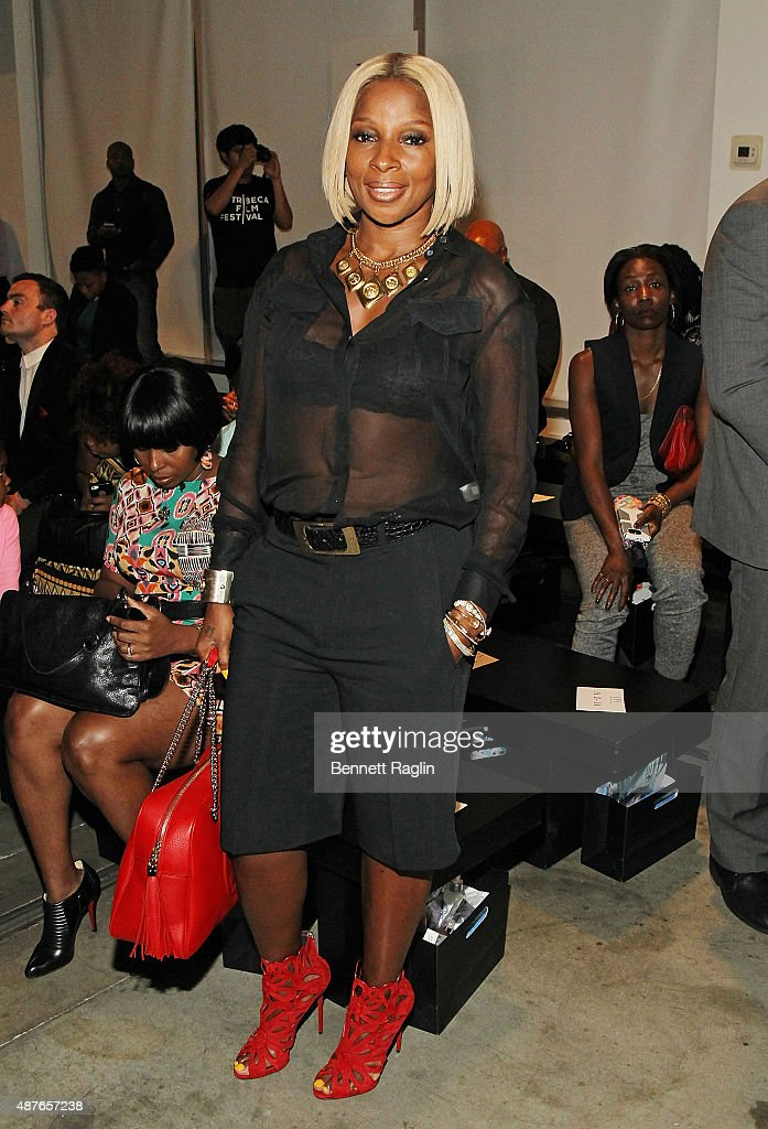 Recording artist <a gi-track='captionPersonalityLinkClicked' href=/galleries/search?phrase=Mary+J.+Blige&family=editorial&specificpeople=171124 ng-click='$event.stopPropagation()'>Mary J. Blige</a> poses backstage at Harlem's Fashion Row Spring 2016 New York Fashion Week on September 10, 2015 in New York City.