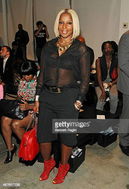 Recording artist Mary J Blige poses backstage at Harlem's Fashion Row Spring 2016 New York Fashion Week on September 10 2015 in New York City