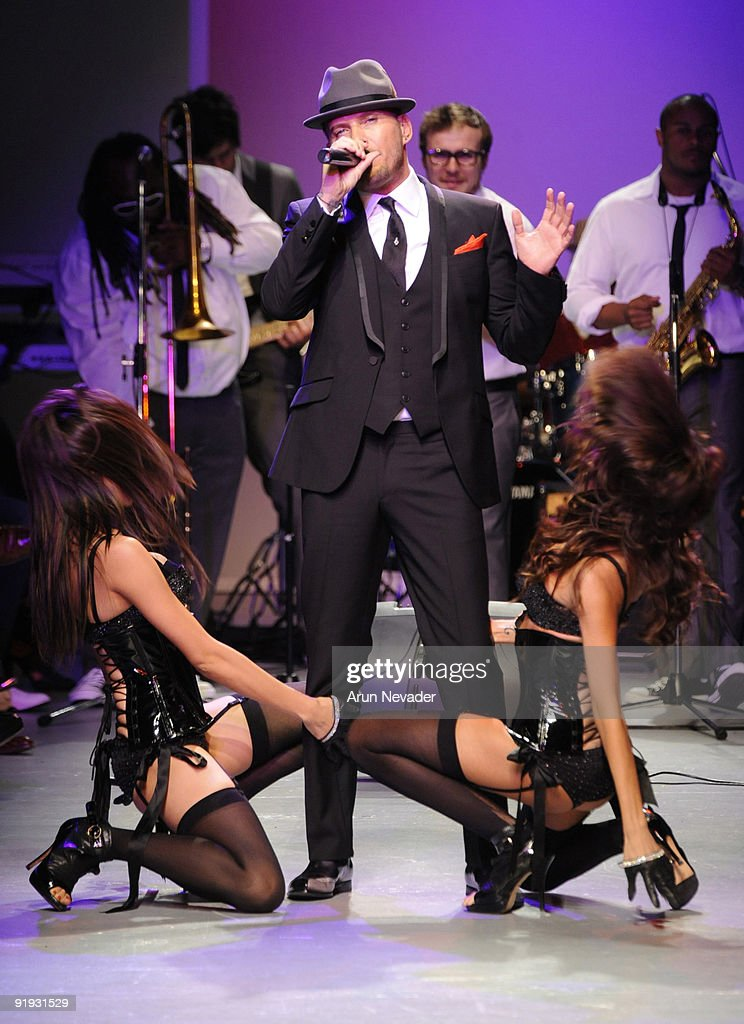 Recording artist Matt Goss performs at Downtown LA Fashion Week Spring 2010 Vintage Valentino at The Geffen Contemporary at MOCA on October 15 2009...