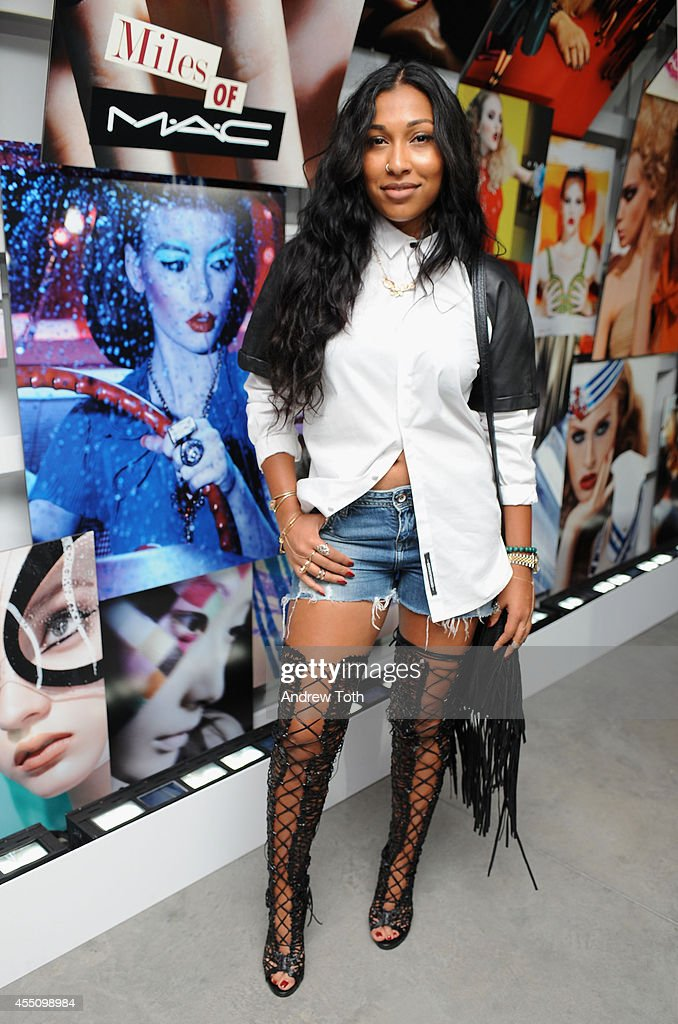 Recording artist Melanie Fiona attends MAC Cosmetics and Miles Aldridge celebrate NYC Rizzoli book launch Miles Of MAC at Steven Kasher Gallery on...
