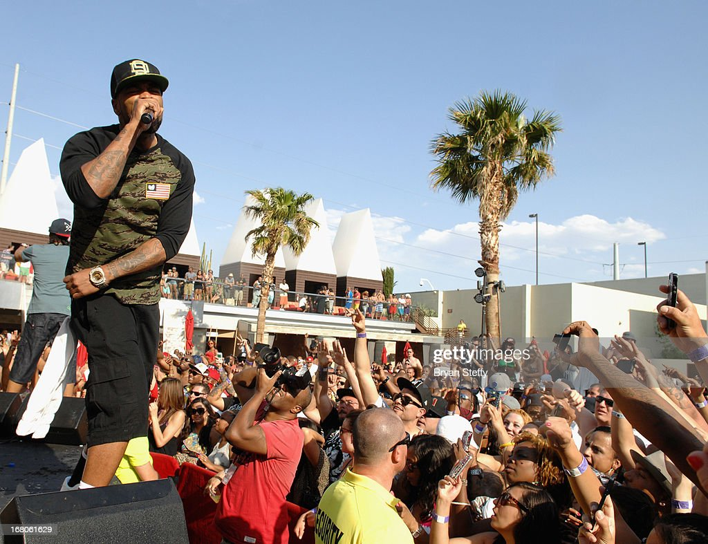 Recording artist <a gi-track='captionPersonalityLinkClicked' href=/galleries/search?phrase=Method+Man&family=editorial&specificpeople=213181 ng-click='$event.stopPropagation()'>Method Man</a> performs during Ditch Weekend at the Palms Pool & Bungalows at the Palms Casino Resort on May 4, 2013 in Las Vegas, Nevada.