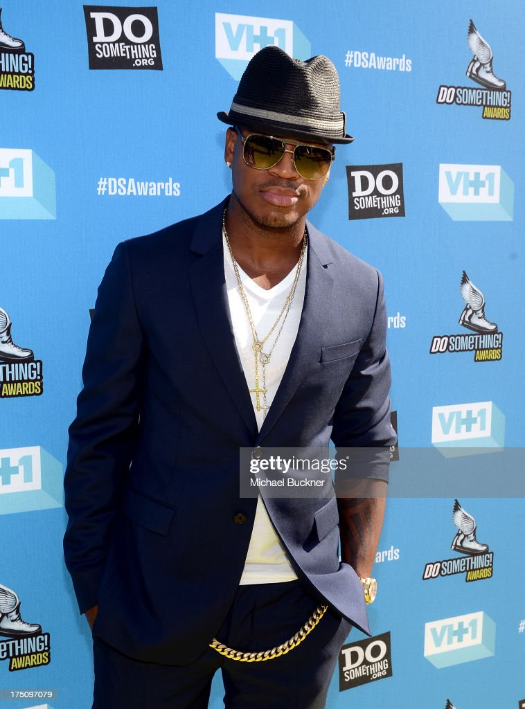 Recording Artist <a gi-track='captionPersonalityLinkClicked' href=/galleries/search?phrase=Ne-Yo&family=editorial&specificpeople=451543 ng-click='$event.stopPropagation()'>Ne-Yo</a> arrives at the DoSomething.org and VH1's 2013 Do Something Awards at Avalon on July 31, 2013 in Hollywood, California.