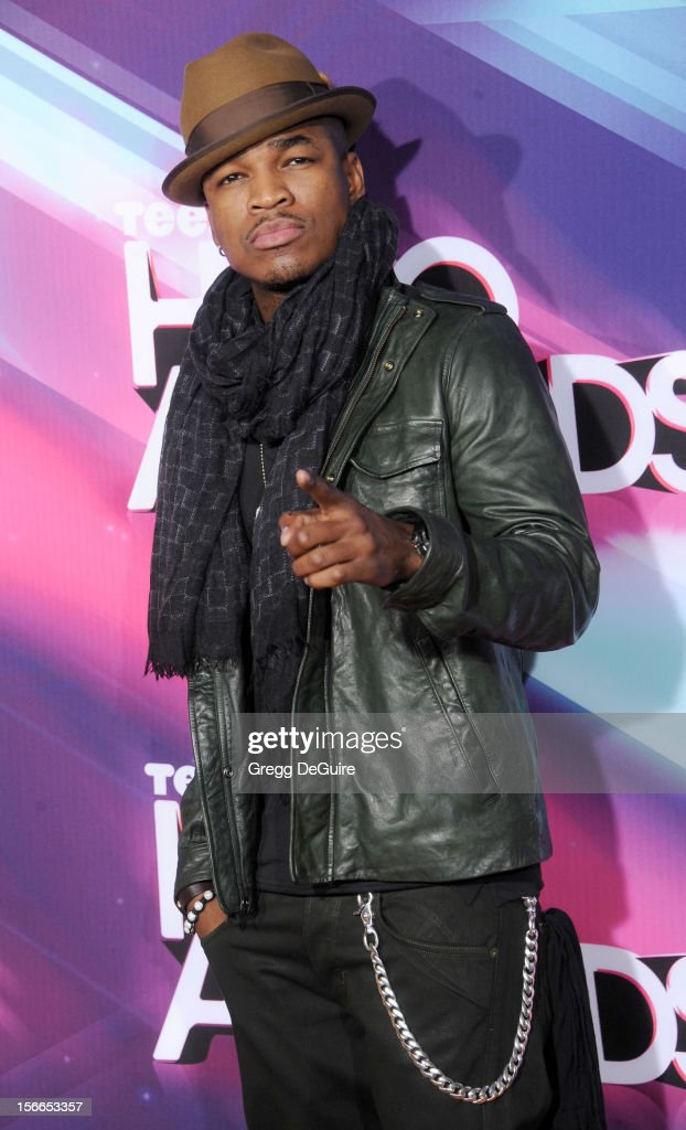 Recording artist Ne-Yo arrives at the TeenNick HALO Awards at The Hollywood Palladium on November 17, 2012 in Los Angeles, California.