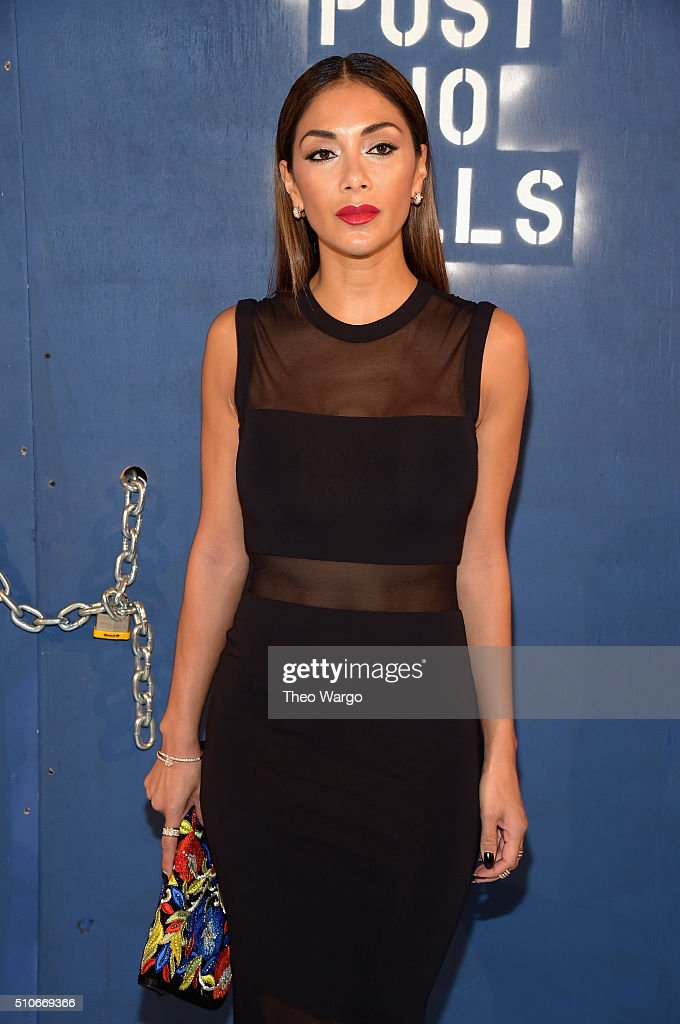 Recording Artist Nicole Scherzinger attends the Alice + Olivia By Stacey Bendet - Arrivals at The Gallery, Skylight at Clarkson Sq on February 16, 2016 in New York City.