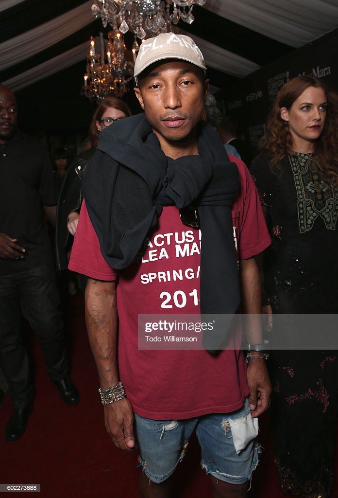 recording-artist-pharrell-williams-attends-the-hollywood-foreign-picture-id602273888