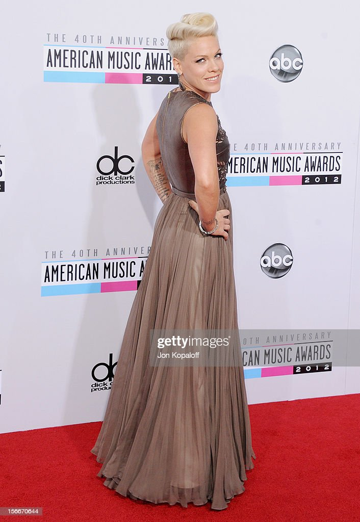 Recording artist Pink arrives at The 40th American Music Awards at Nokia Theatre L.A. Live on November 18, 2012 in Los Angeles, California.