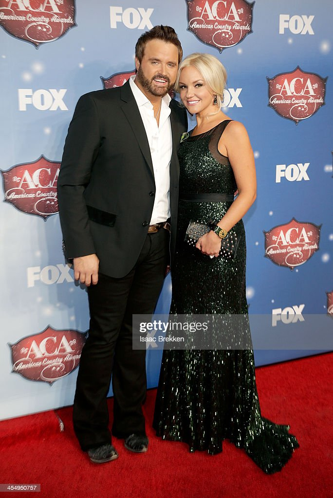 Recording artist <a gi-track='captionPersonalityLinkClicked' href=/galleries/search?phrase=Randy+Houser&family=editorial&specificpeople=5348597 ng-click='$event.stopPropagation()'>Randy Houser</a> (L) and Jessa Lee arrive at the American Country Awards 2013 at the Mandalay Bay Events Center on December 10, 2013 in Las Vegas, Nevada.