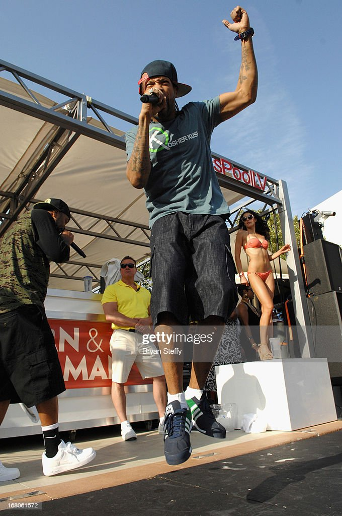 Recording artist <a gi-track='captionPersonalityLinkClicked' href=/galleries/search?phrase=Redman&family=editorial&specificpeople=710884 ng-click='$event.stopPropagation()'>Redman</a> performs during Ditch Weekend at the Palms Pool & Bungalows at the Palms Casino Resort on May 4, 2013 in Las Vegas, Nevada.