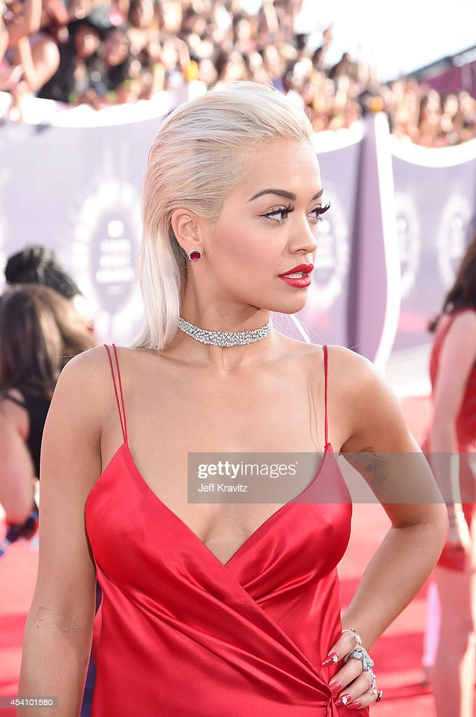 Recording artist <a gi-track='captionPersonalityLinkClicked' href=/galleries/search?phrase=Rita+Ora&family=editorial&specificpeople=5686485 ng-click='$event.stopPropagation()'>Rita Ora</a> attends the 2014 MTV Video Music Awards at The Forum on August 24, 2014 in Inglewood, California.