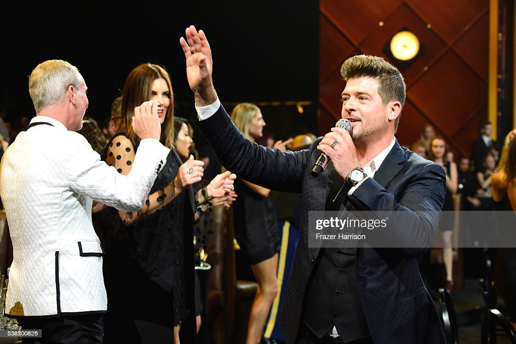 Recording artist Robin Thicke performs onstage during Spike TV's 10th Annual Guys Choice Awards at Sony Pictures Studios on June 4, 2016 in Culver City, California.