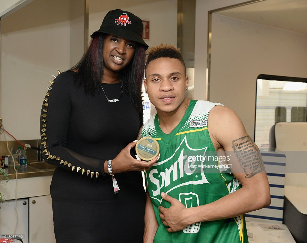 Recording artist <a gi-track='captionPersonalityLinkClicked' href=/galleries/search?phrase=Rotimi&family=editorial&specificpeople=4249959 ng-click='$event.stopPropagation()'>Rotimi</a> (R) attends the BETX gifting suite during the 2016 BET Experience on June 25, 2016 in Los Angeles, California.