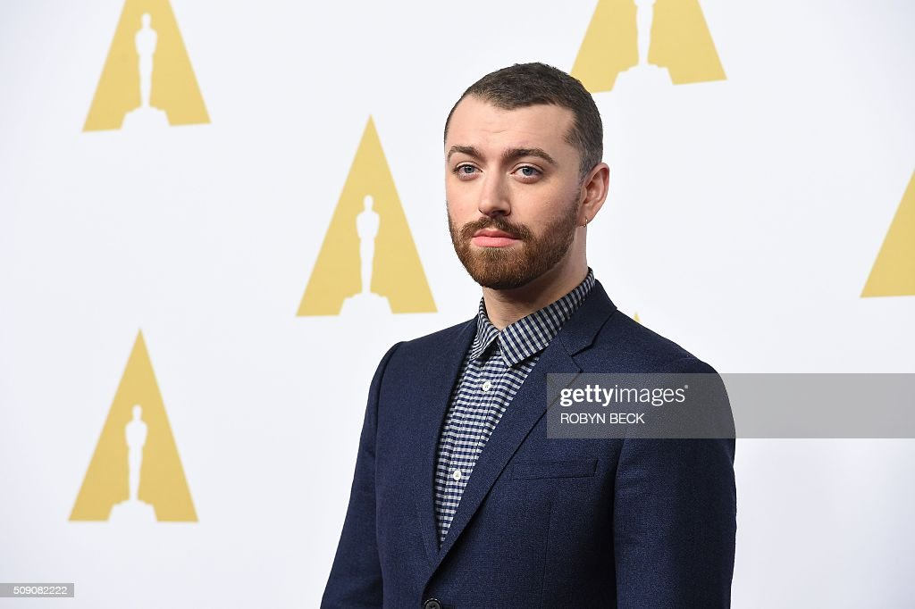 Recording artist Sam Smith arrives at the 88th Oscar Nominees Luncheon in Beverly Hills, California, February 8, 2016. / AFP / ROBYN BECK