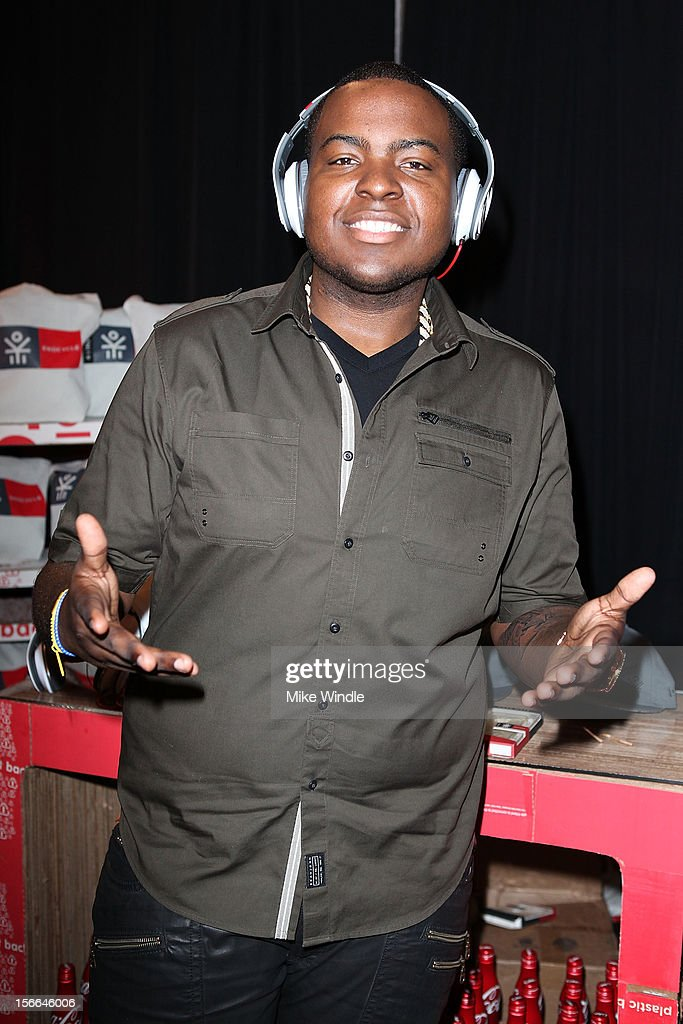Recording artist <a gi-track='captionPersonalityLinkClicked' href=/galleries/search?phrase=Sean+Kingston&family=editorial&specificpeople=4413979 ng-click='$event.stopPropagation()'>Sean Kingston</a> attends The 40th American Music Awards - EKOCYCLE Gift Suite Day 2 at Nokia Theatre L.A. Live on November 17, 2012 in Los Angeles, California.