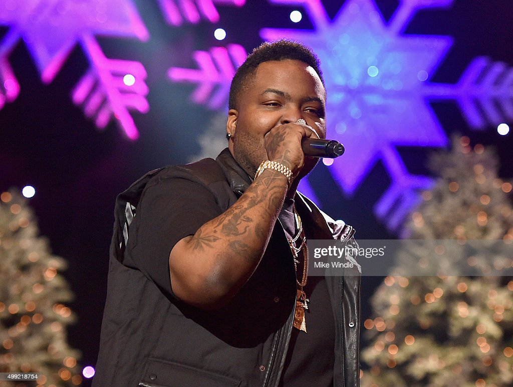 Recording artist Sean Kingston performs onstage during the 2015 Hollywood Christmas Parade on November 29 2015 in Hollywood California