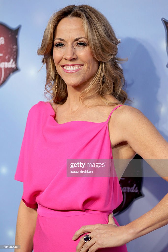 Recording artist Sheryl Crow arrives at the American Country Awards 2013 at the Mandalay Bay Events Center on December 10, 2013 in Las Vegas, Nevada.