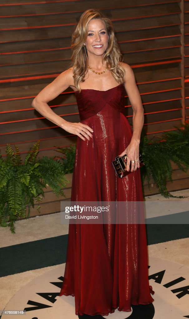 Recording artist <a gi-track='captionPersonalityLinkClicked' href=/galleries/search?phrase=Sheryl+Crow&family=editorial&specificpeople=201867 ng-click='$event.stopPropagation()'>Sheryl Crow</a> attends the 2014 Vanity Fair Oscar Party hosted by Graydon Carter on March 2, 2014 in West Hollywood, California.