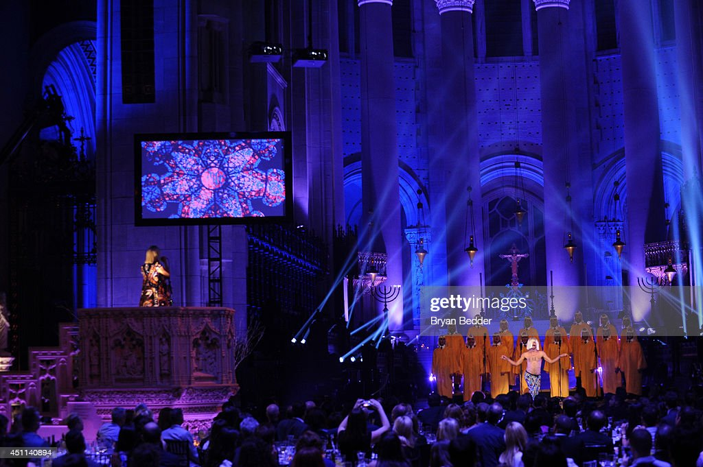 Recording artist Sia performs onstage with the NYC Gay Men's Chorus and choreographer <a gi-track='captionPersonalityLinkClicked' href=/galleries/search?phrase=Ryan+Heffington&family=editorial&specificpeople=12914796 ng-click='$event.stopPropagation()'>Ryan Heffington</a> during Logo TV's 'Trailblazers' at the Cathedral of St. John the Divine on June 23, 2014 in New York City.