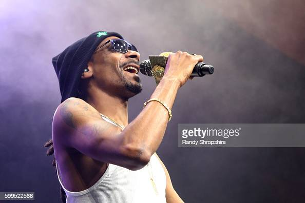 Recording artist Snoop Dogg performs onstage during The Ultimate Fan Experience Call Of Duty XP 2016 presented by Activision at The Forum on...