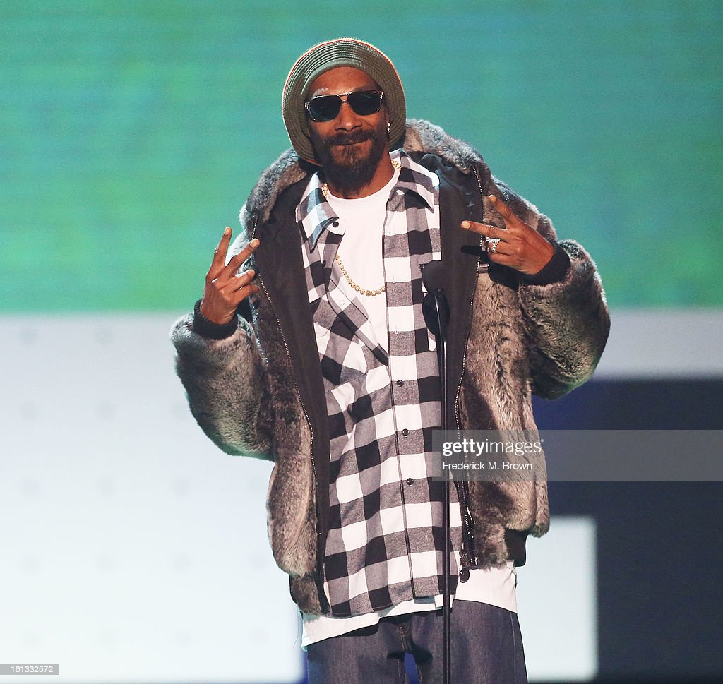 Recording artist <a gi-track='captionPersonalityLinkClicked' href=/galleries/search?phrase=Snoop+Dogg&family=editorial&specificpeople=175943 ng-click='$event.stopPropagation()'>Snoop Dogg</a> speaks during the 3rd Annual Cartoon Network's 'Hall Of Fame' Awards at the Barker Hangar, Santa Monica Airport, on February 9, 2013 in Santa Monica, California.