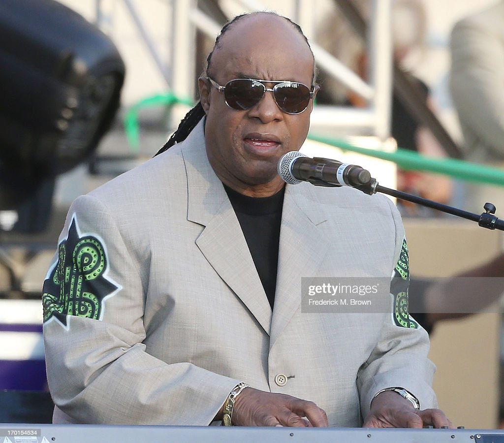 Recording artist <a gi-track='captionPersonalityLinkClicked' href=/galleries/search?phrase=Stevie+Wonder&family=editorial&specificpeople=171911 ng-click='$event.stopPropagation()'>Stevie Wonder</a> performs during President Bill Clinton Pays Tribute to Mayor Antonio Villaraigosa at Celebrate LA! on June 7, 2013 in Los Angeles, California.