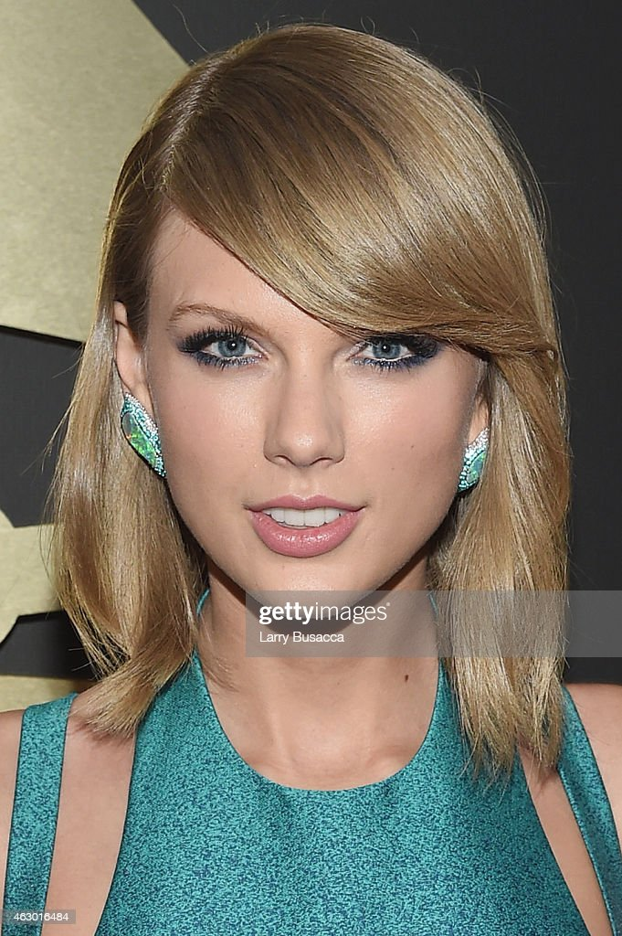 Recording Artist <a gi-track='captionPersonalityLinkClicked' href=/galleries/search?phrase=Taylor+Swift&family=editorial&specificpeople=619504 ng-click='$event.stopPropagation()'>Taylor Swift</a> attends The 57th Annual GRAMMY Awards at the STAPLES Center on February 8, 2015 in Los Angeles, California.
