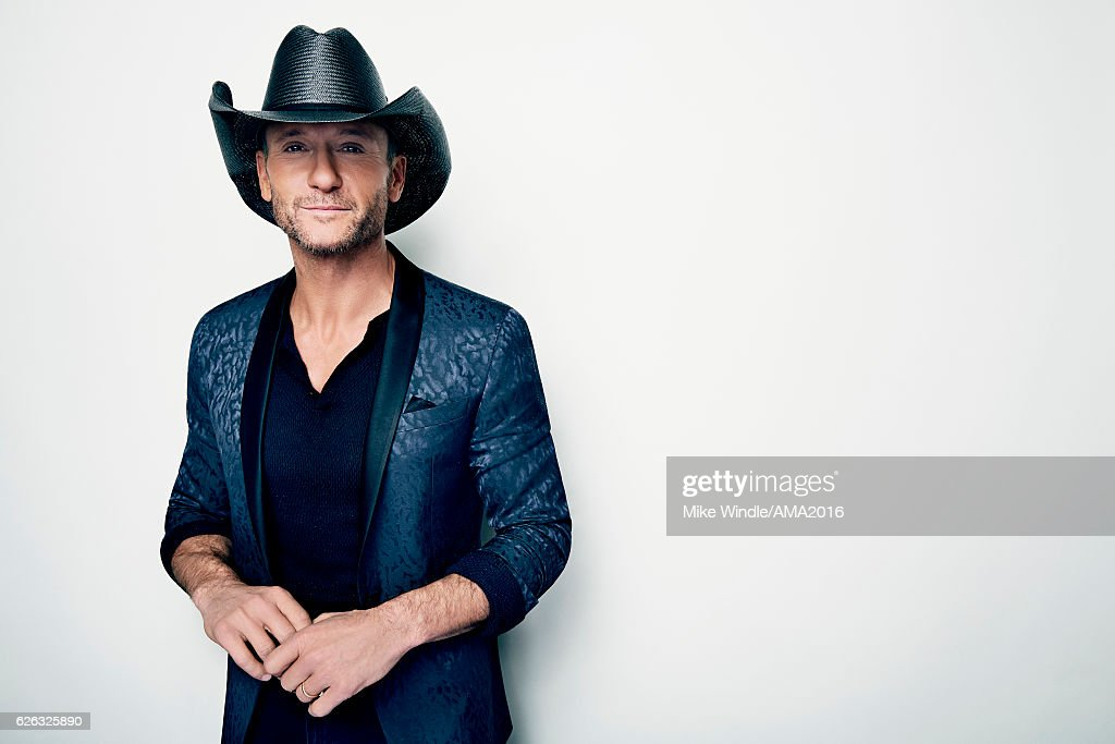 Recording artist Tim McGraw, recipient of the Favorite Country Song Award poses in the press room during the 2016 American Music Awards at Microsoft Theater on November 20, 2016 in Los Angeles, California.