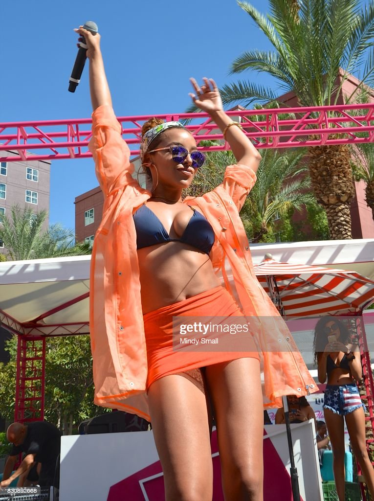 Recording artist Tinashe performs at the Flamingo Go pool at Flamingo Las Vegas on August 12, 2017 in Las Vegas, Nevada.